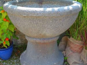 Runde antike Brunnen