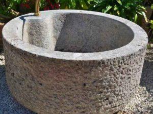 Runde und halbrunde Brunnen