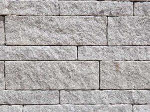 Mauersteine Kanten gesägt